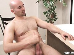 white muscled gay masturbating in front of the pc