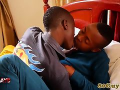 Amateur african sensually cocksucking stud