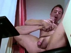Horny foot worship